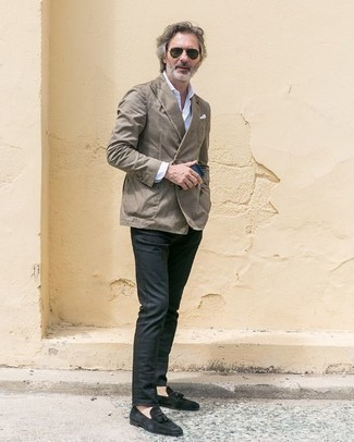 How to Wear Charcoal Chinos: This smart combination of a grey double breasted blazer and charcoal chinos is super easy to pull together in next to no time, helping you look on-trend and prepared for anything without spending a ton of time combing through your closet. Channel your inner Idris Elba and class up your look with a pair of black suede tassel loafers.