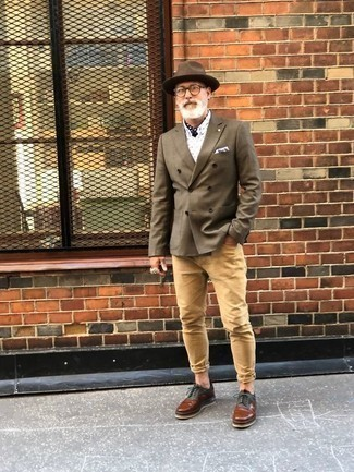 How to Wear a Bandana For Men: Pair an olive double breasted blazer with a bandana for cool menswear style. If you need to instantly up this look with footwear, why not introduce brown leather derby shoes to the equation?