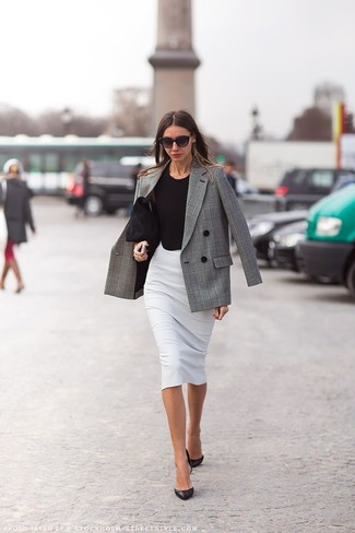Perfect the smart casual look in a grey plaid double breasted blazer and a grey pencil skirt. Round off this look with black leather pumps.