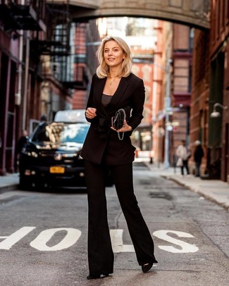 How to Wear a Black Double Breasted Blazer For Women: You're looking at the solid proof that a black double breasted blazer and black flare pants look awesome if you pair them together in a laid-back ensemble. Consider a pair of black suede pumps as the glue that will pull your outfit together.