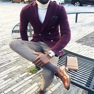 How to Wear a Navy and White Print Pocket Square: If you're a fan of casual getups, why not consider teaming a burgundy double breasted blazer with a navy and white print pocket square? To add elegance to your outfit, finish with a pair of brown leather oxford shoes.