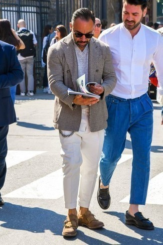 How to Wear a Grey V-neck T-shirt For Men: When the situation permits casual dressing, consider teaming a grey v-neck t-shirt with white chinos. Introduce a pair of tan fringe suede loafers to the equation to make the getup slightly smarter.