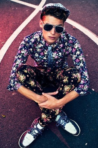 A smart casual combination of a navy and white floral shirt and black floral chinos can maintain its relevance in many different circumstances. For footwear go down the casual route with navy and white leather deck shoes.