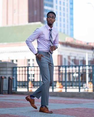 Violet Argyle Socks Outfits For Men: A light violet dress shirt and violet argyle socks are a smart pairing to keep in your daily casual collection. If you wish to immediately up the style ante of this outfit with shoes, why not add a pair of brown leather brogues to the mix?