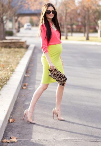 d114e3cece How to wear: hot pink dress shirt, yellow pencil skirt, beige leather pumps