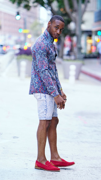 How to wear: blue floral dress shirt, light blue denim shorts, hot pink suede loafers, gold watch