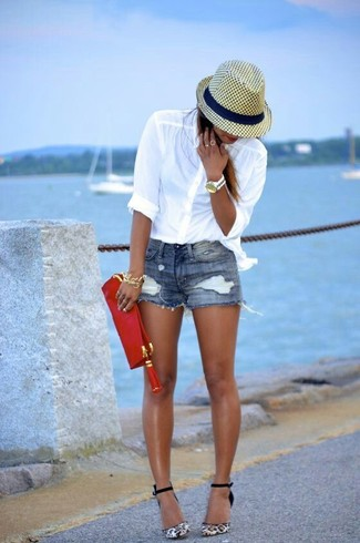 Wear a white button-up shirt and shorts to create a chic, glamorous look. Throw in a pair of white and black leopard suede pumps to va-va-voom your outfit. There are plenty of ways to look neat and survive the heatwave, and this here is one of them.