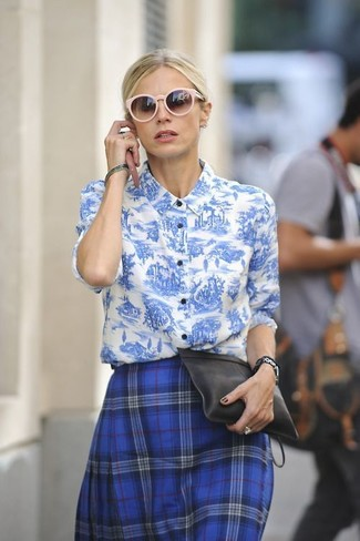 Navy and Green Plaid Skater Skirt Outfits: For a casual getup, opt for a white and blue print dress shirt and a navy and green plaid skater skirt — these pieces fit perfectly together.