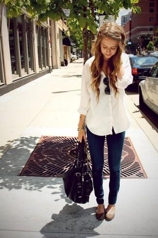 Women's White Dress Shirt, Navy Skinny Jeans, Brown Leather Ballerina Shoes, Black Leather Satchel Bag