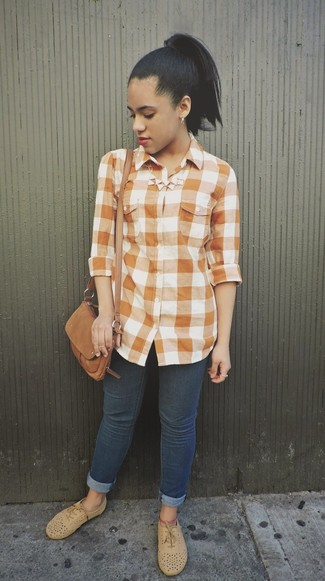 Women's Orange Gingham Dress Shirt, Navy Skinny Jeans, Tan Suede Oxford Shoes, Brown Suede Crossbody Bag
