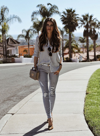 Team a white and black vertical striped dress shirt with grey ripped skinny jeans for a standout ensemble. And if you want to instantly amp up the style of your look with one piece, add Forever 21 Pointed Faux Suede Pumps to the mix. As you imagine, this is also a killer pick come warmer days.