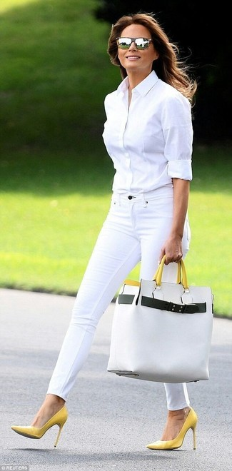 A white dress shirt and a white leather tote bag is a beautiful combo for you to try. Finish off this ensemble with yellow leather pumps. This one will play especially nice come warmer days.