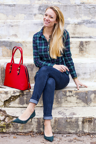 How to wear: teal plaid dress shirt, navy skinny jeans, teal suede pumps, red leather satchel bag