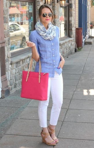 How to wear: light blue chambray dress shirt, white skinny pants, tan leather wedge sandals, hot pink canvas tote bag