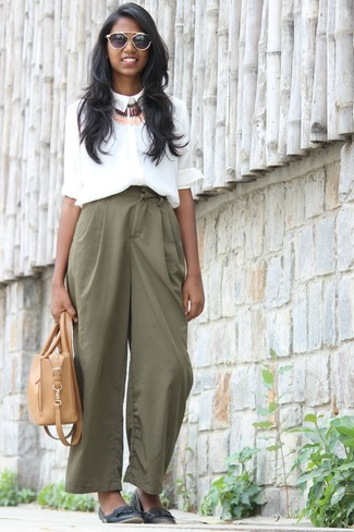 How to wear: white silk dress shirt, green wide leg pants, black leather ballerina shoes, tan leather tote bag