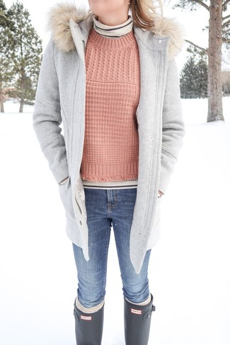 How to wear: grey duffle coat, beige horizontal striped turtleneck, pink cable sweater, blue skinny jeans
