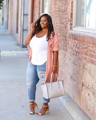 Rock a hot pink duster with light blue distressed skinny jeans for comfort dressing from head to toe. A pair of gold leather heeled sandals will add more polish to your overall look.  We love this one, especially for springtime.