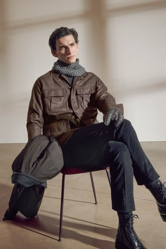 Socks Fall Outfits For Men: The versatility of a dark brown field jacket and socks guarantees you'll always have them on heavy rotation in your closet. Black leather casual boots will give a dose of refinement to an otherwise mostly casual ensemble. As days are getting cooler, you'll discover that an outfit like this is ideal for autumn.
