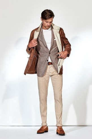 How to Wear a Blazer For Men: Reach for a blazer and beige chinos for a proper refined look. Introduce tobacco suede tassel loafers to this look to kick things up to the next level.