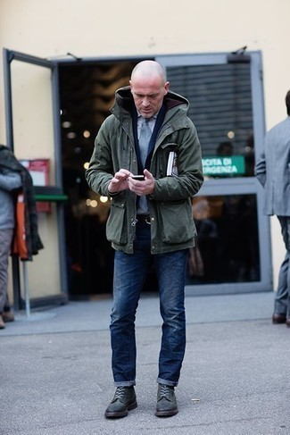 1200+ Outfits For Men After 40: This pairing of a dark green field jacket and navy jeans combines comfort and utility and helps you keep it simple yet modern. A great pair of dark green suede casual boots is the most effective way to give a dose of class to this ensemble. This getup illustrates that after forty you still have a wide range of sartorial options.