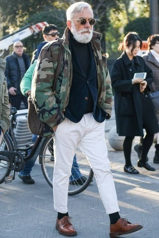 How to Wear Brown Leather Derby Shoes: This combination of an olive camouflage field jacket and white chinos is super easy to throw together and so comfortable to sport all day long as well! Introduce a pair of brown leather derby shoes to the equation to instantly jazz up the ensemble.