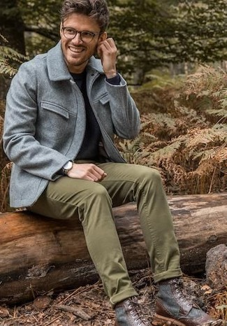 How to wear: grey wool field jacket, black crew-neck sweater, olive chinos, dark brown leather casual boots