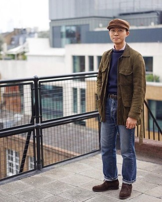 Tan Flat Cap Outfits For Men: To achieve an off-duty getup with a fashionable spin, you can opt for a brown field jacket and a tan flat cap. And if you want to instantly kick up your ensemble with a pair of shoes, why not complete your ensemble with dark brown suede desert boots?