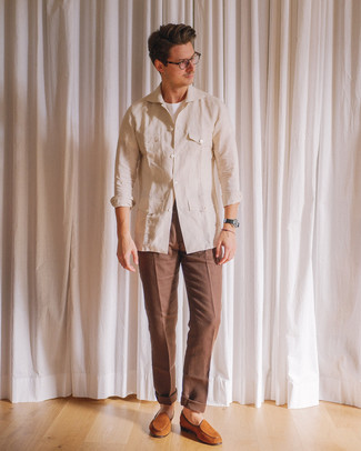 How to wear: beige linen field jacket, white crew-neck t-shirt, brown dress pants, tobacco suede loafers