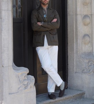Grey Socks Outfits For Men: You'll be surprised at how extremely easy it is for any gentleman to pull together a bold casual look like this. Just a dark brown field jacket worn with grey socks. If you wish to effortlessly ramp up this outfit with footwear, why not finish with dark brown suede tassel loafers?