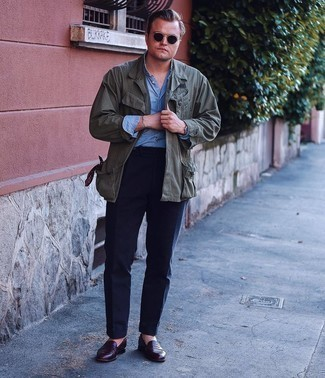 Blue Chambray Long Sleeve Shirt Outfits For Men: Dress in a blue chambray long sleeve shirt and navy dress pants and you're bound to turn every head around. Let your sartorial prowess really shine by completing your getup with a pair of burgundy leather loafers.