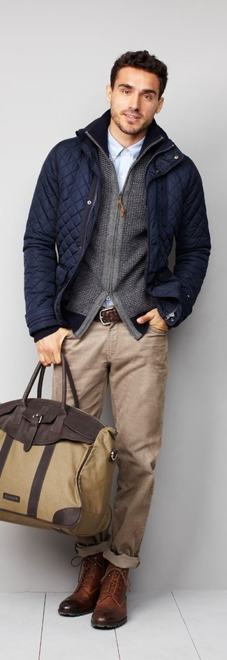 Wear a field jacket and beige jeans for a refined yet off-duty ensemble. Bring instant glamour to your getup with brown leather casual boots. Can you see how easy it is to look dapper and stay snug come fall, thanks to this look?