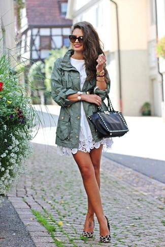 How to wear: mint fishtail parka, white crochet casual dress, beige leopard suede pumps, black studded leather tote bag
