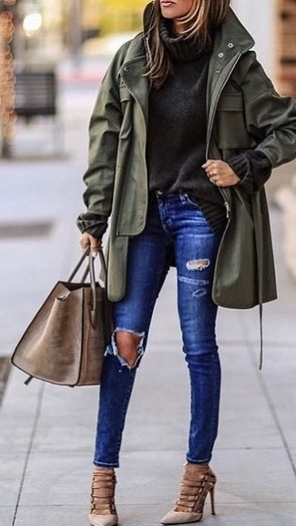 How to wear: olive fishtail parka, charcoal knit turtleneck, blue ripped skinny jeans, beige suede pumps