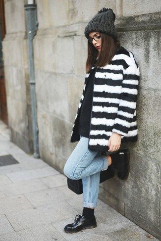 How to wear: white and black horizontal striped fur coat, black crew-neck sweater, light blue boyfriend jeans, black leather oxford shoes