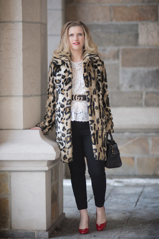 How to wear: beige leopard fur coat, white lace long sleeve blouse, black skinny pants, red leather pumps