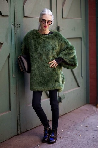Women's Looks & Outfits: What To Wear In Winter: This combo of a dark green fur coat and black skinny jeans is the perfect base for an outfit. A pair of black leather lace-up flat boots instantly dials up the fashion factor of this getup. During the winter months, when comfort is everything, it can be easy to surrender to a less-than-stylish look in the name of practicality. This look, however, proves that you totally can stay snug and remain incredibly chic during the winter months.