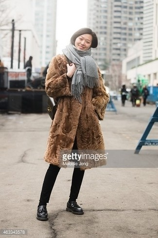 Black Leather Loafers Outfits For Women: A brown fur coat and black skinny pants are the kind of a foolproof combination that you need when you have no time. Black leather loafers will be a stylish accompaniment to your look.