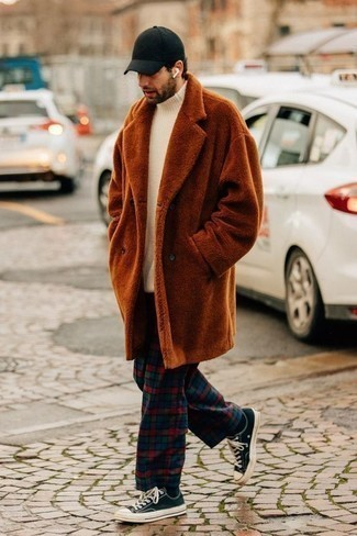 Navy and White Canvas Low Top Sneakers Outfits For Men: If you like practical menswear, make a tobacco fur coat and multi colored plaid chinos your outfit choice. For something more on the relaxed end to finish your look, complete this look with navy and white canvas low top sneakers.
