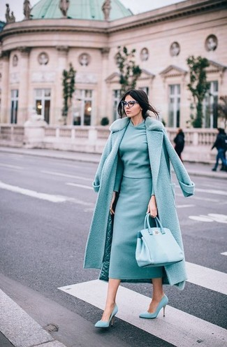 How to wear: mint fur collar coat, mint crew-neck sweater, mint midi skirt, mint suede pumps