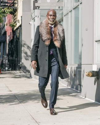 How to Wear a Violet Print Tie For Men: Go all out in a charcoal fur collar coat and a violet print tie. A pair of dark brown leather oxford shoes will be a stylish accompaniment for your ensemble.