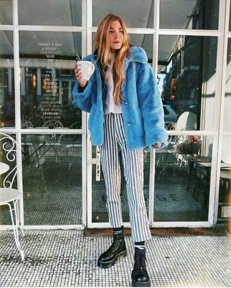 Black and White Horizontal Striped Socks Outfits For Women: A blue fur jacket and black and white horizontal striped socks are a savvy combo to add to your casual arsenal. We're loving how cohesive this outfit looks when rounded off by black chunky leather lace-up flat boots.