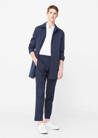 Cómo Combinar Un Pantalón De Vestir Azul Marino Para Hombres