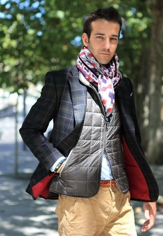 How to wear: grey quilted gilet, navy and green check blazer, light blue dress shirt, khaki chinos