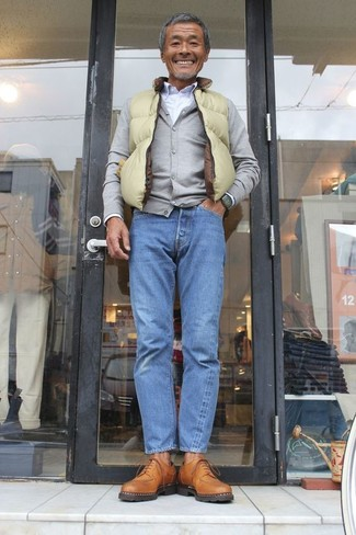 How to wear: green-yellow gilet, grey cardigan, white dress shirt, blue jeans