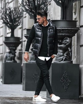 How to wear: black quilted gilet, black crew-neck sweater, white dress shirt, black chinos