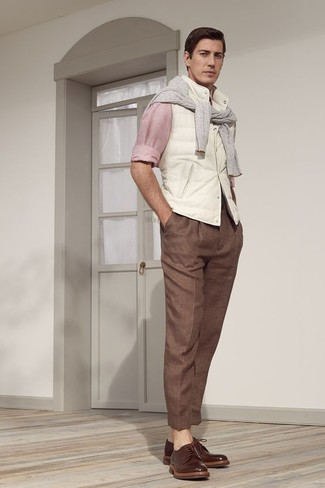 How to wear: white gilet, grey crew-neck sweater, pink long sleeve shirt, brown dress pants