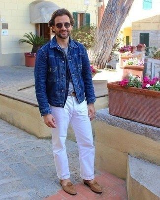 Men's Outfits 2020: Putting together a navy gilet with white jeans is an on-point idea for a casually stylish ensemble. And if you need to effortlessly up the ante of your look with shoes, why not add a pair of tan suede loafers to the mix?