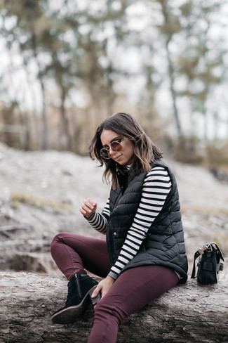 How to wear: black quilted gilet, white and black horizontal striped turtleneck, burgundy skinny jeans, black suede lace-up ankle boots