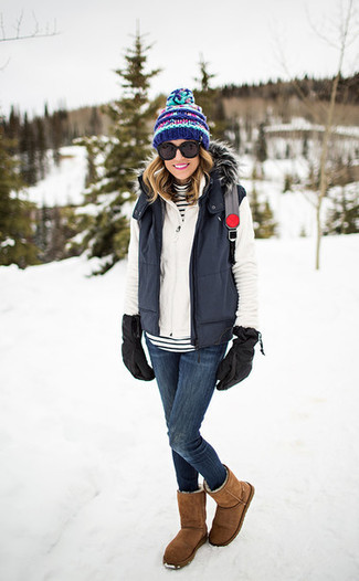 How to Wear Gloves For Women: This pairing of a charcoal gilet and gloves is a safe and very fashionable bet. If you're wondering how to finish off, make tan uggs your footwear choice.