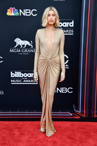 How to wear: gold slit evening dress, gold leather heeled sandals, gold earrings